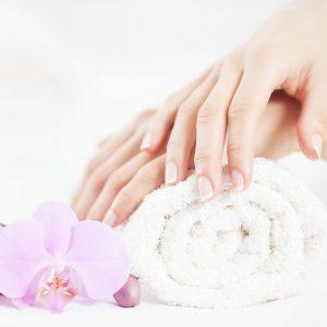 blu-moret-wellness-spa-centro-benessere-udine-estetica-base-manicure