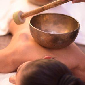 blu-moret-wellness-spa-centro-benessere-udine-massaggio-olistico-con-campane-tibetane