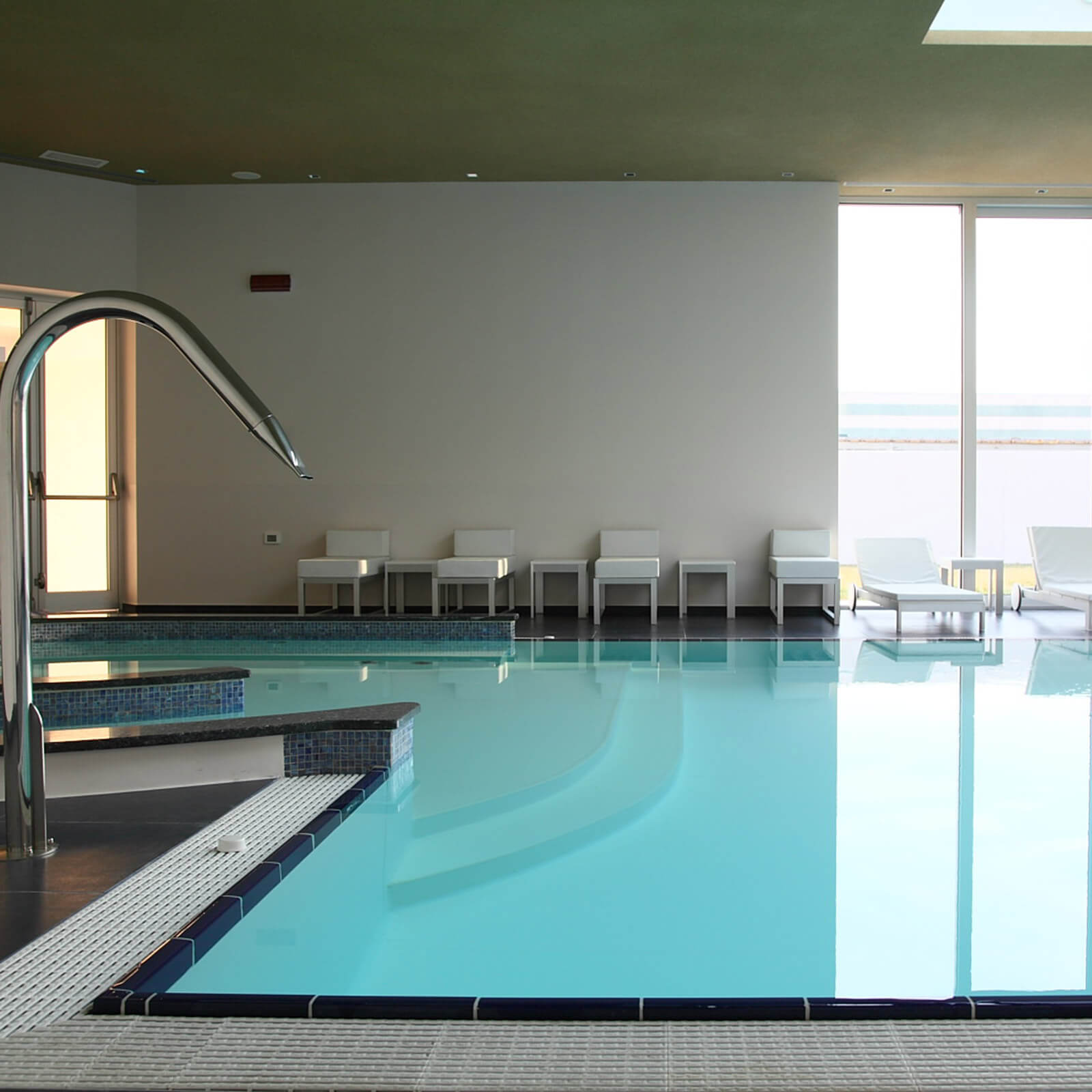 blu-moret-wellness-spa-centro-benessere-udine-piscina-interna2