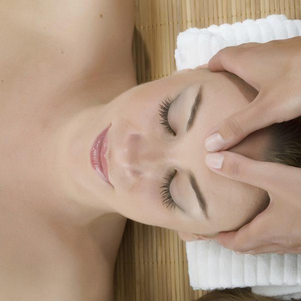 blu-moret-wellness-spa-centro-benessere-udine-trattamenti-viso-idratante-antietà